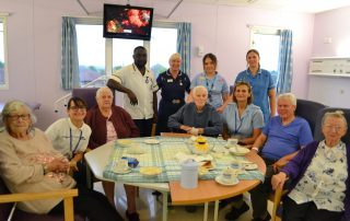 stroke rehab patients enjoying breakfast together