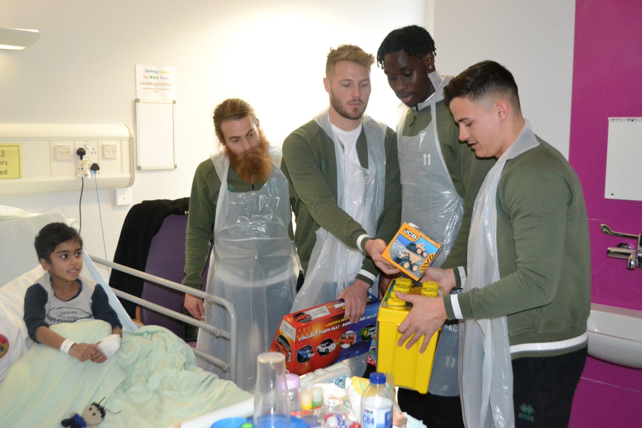Walsall FC players visit Ward 21
