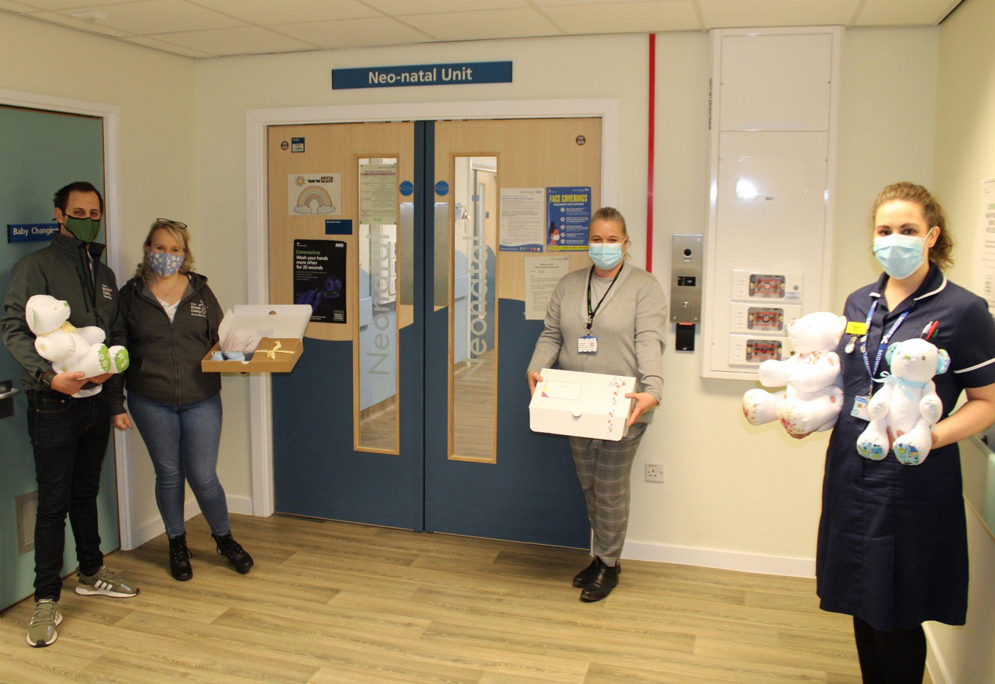 Jamie and Hannah visit Walsall Manor Hospital